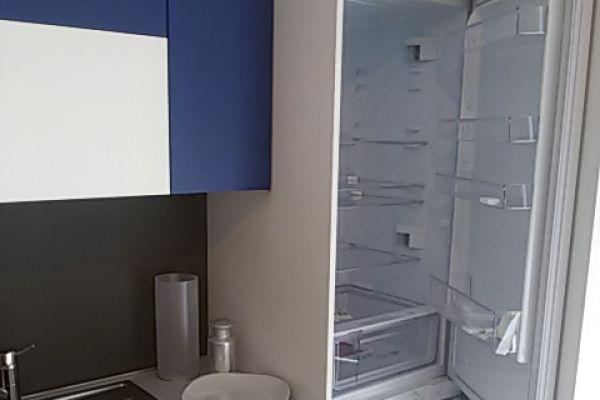 cucina-lube-con-snack-laterale-9-20180729-2046604381DC70E08E-8F5C-686F-5D7D-1285901D9479.jpg